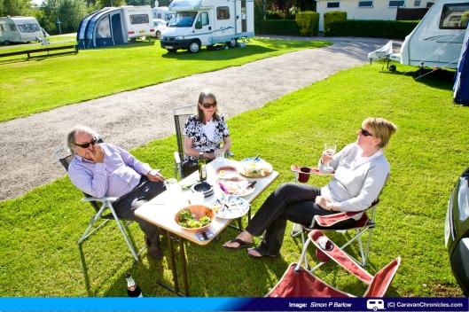 Pete, Julie & Sue. Oxford C & CC Site 2011