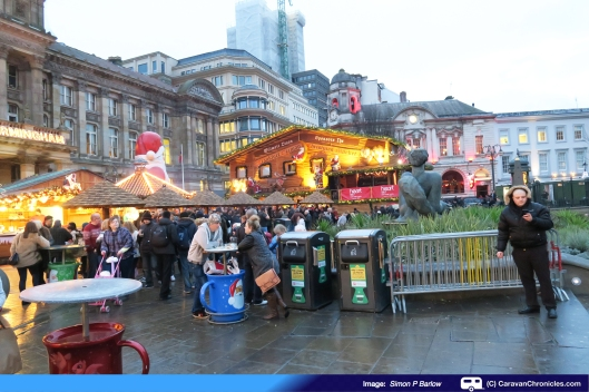 Mulled Wine, Hot Chocolate with squirty cream and live festive music...